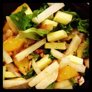 Jicama salad with apples, grapefruit and toasted cashews